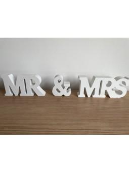 Schriftzug Mr &Mrs